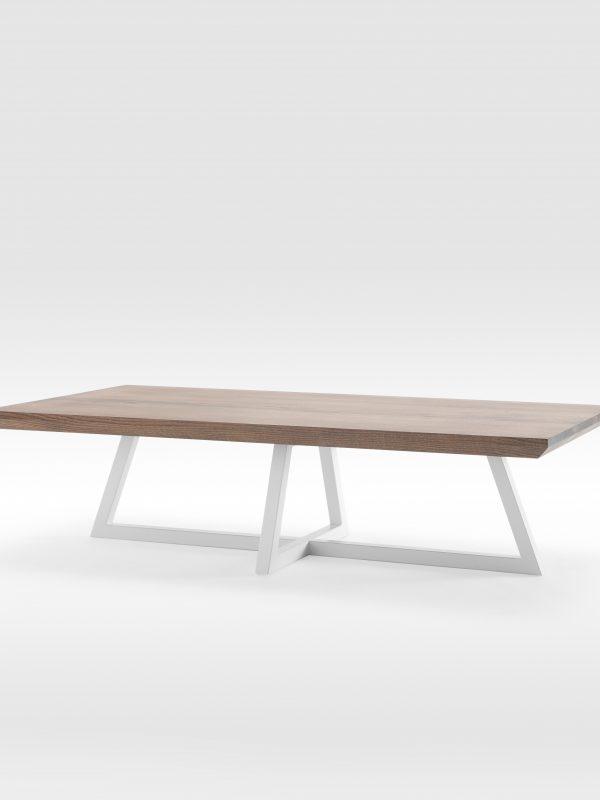 Kavos staliukas su išskirtinio dizaino kojomis, ąžuolo masyvas