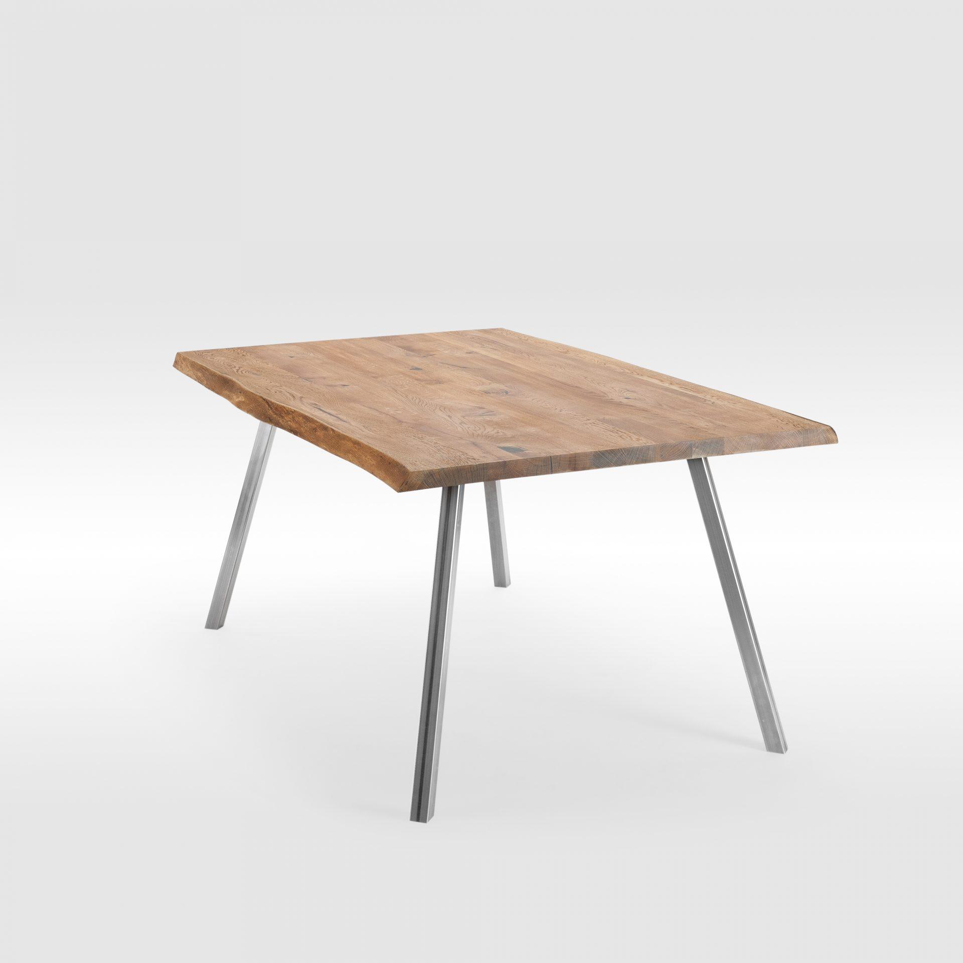 Live Edge tipo valgomo stalas su plieninėmis kojomis