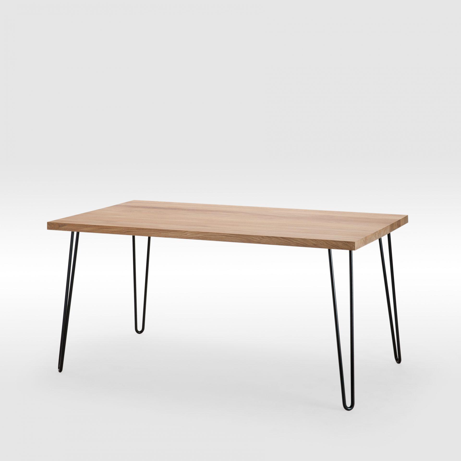 ąžuolinis valgomojo stalas su lenktomis kojomis